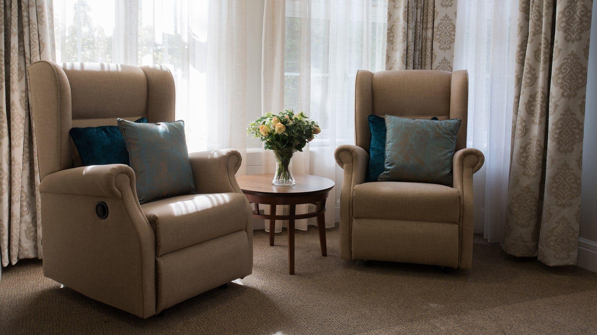 erskine hall contract cushions